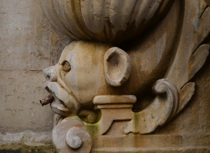 trapani smoking gargoyle
