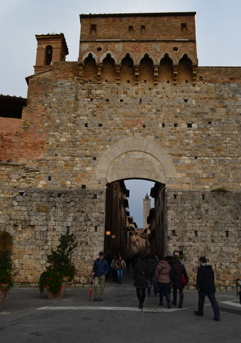 gate in san gimignano